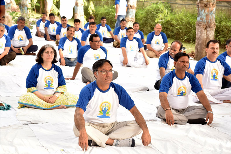 MORNING YOGA-SESSION (7.30 AM)  ON 21ST JUNE, 2018 AT DST PREMISES