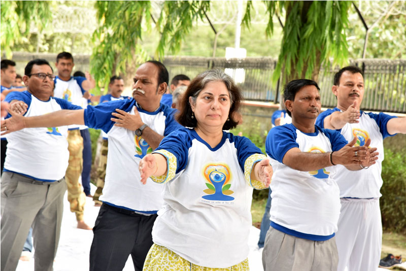 JOINT SECRETARY (ADMN.), DST DOING YOGA ON 21ST JUNE, 2018 AT DST PREMISES