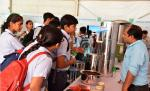 Students of Chinmaya Vidyalaya, New Delhi, watching the Model of Jal-Kalp Water Filter in an  Exhibition organised in DST during Swacchta Pakhwada